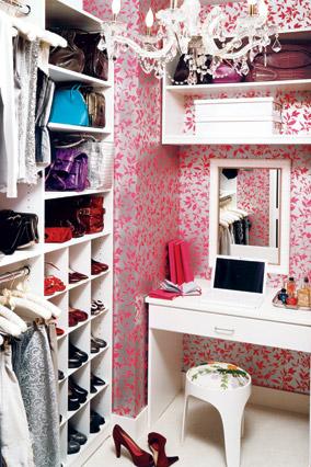 Pink Metallic Wallpaper Contemporary Closet