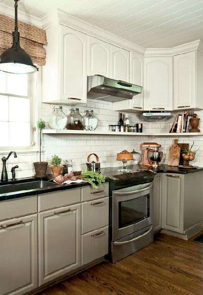 White upper cabinets gray lower cabinets cottage kitchen for Grey and white kitchen cabinets