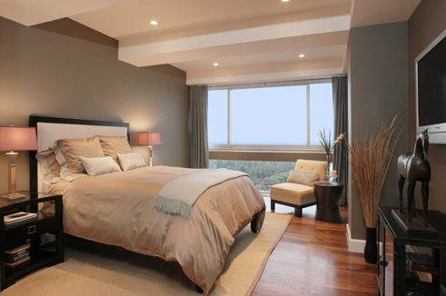 Chic modern bedroom for Small neutral bedroom ideas