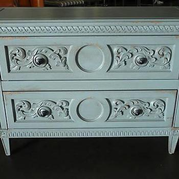 Shabby Chic Painted Hollywood Regency Chest Draper KWID, eBay (item 120399332444 end time Apr-05-09 19:12:13 PDT)
