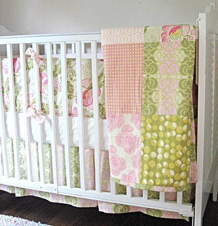 Green And Pink Daisy Chain Custom 3 Piece Crib Bedding Set