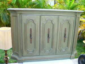 BEAUTIFUL THOMASVILLE BUFFET/SIDEBOARD