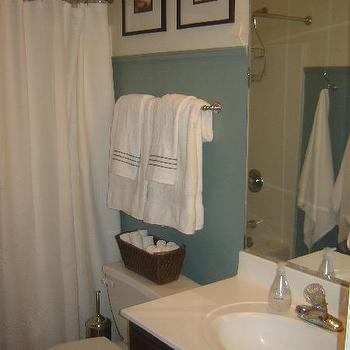 Blue Paint Colors, Cottage, bathroom, Behr Cloud Burst