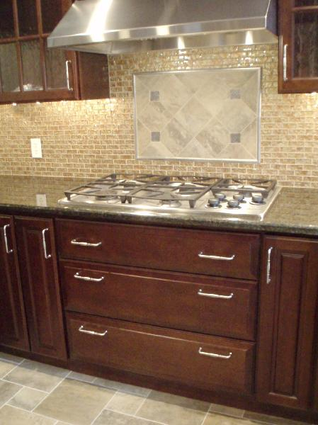 Peacock Green Granite Traditional Kitchen