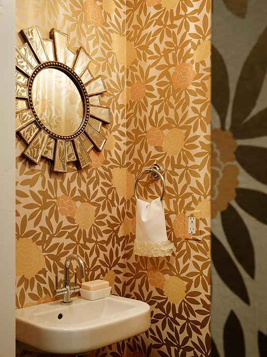 Modern floral wallpaper contemporary bathroom for Floral bathroom wallpaper