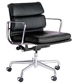 eames soft pad management chair. Black Bedroom Furniture Sets. Home Design Ideas
