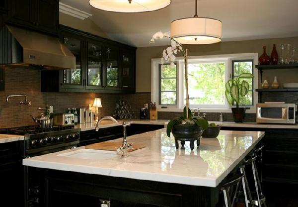 Black kitchen cabinets with white marble countertops for Dark paint colors for kitchen