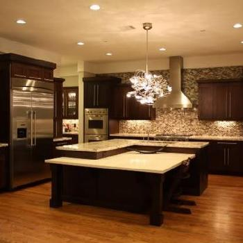 Dark chocolate kitchen cabinets design ideas for Dark brown kitchen ideas