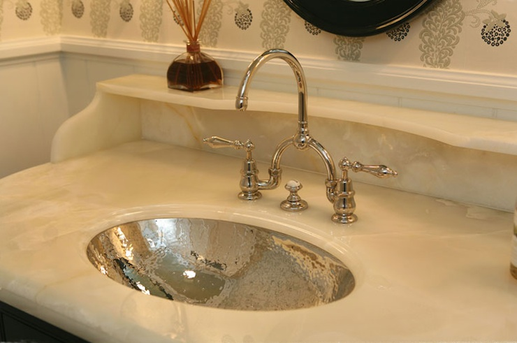 Delicieux Hammered Oval Sink