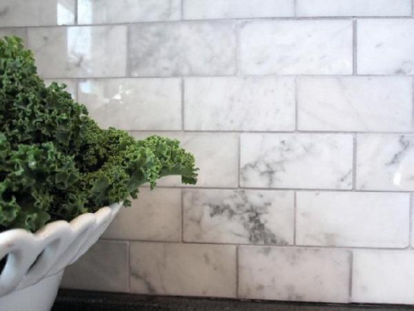 Carrara Marble Subway Tile Backsplash Design Ideas