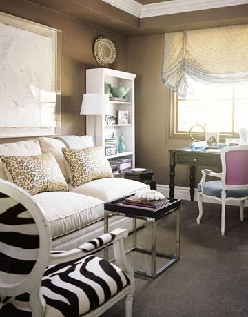 Taupe living room walls design ideas for Brown taupe living room