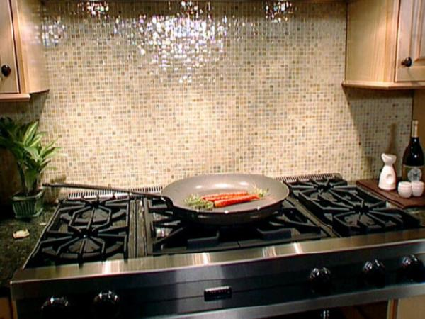 Kitchen Glass Tile Backsplash