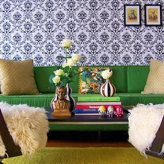 Green pillows design ideas for Kelly green decor