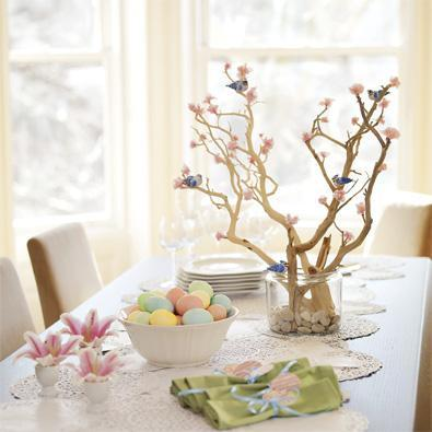 Easter table decorations centerpieces and flowers for an easter dinner table quick simple - Easter table decorations meals special ...