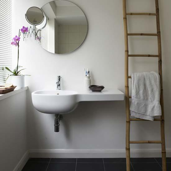 Decoration Sejour Cuisine Ouverte : Modern zen bathroom design with white porcelain sink, round frameless