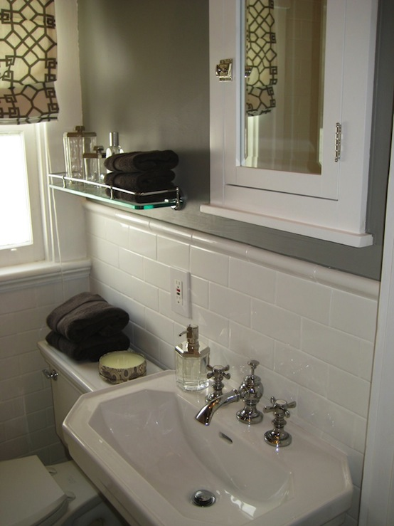 Bathroom pedestal sink storage