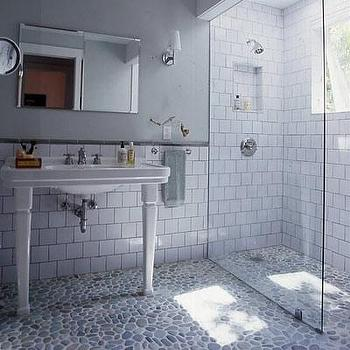 Superbe Pebble Shower Floor