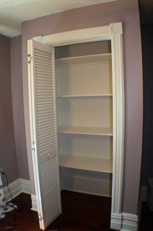 Lavender Walls Transitional Closet Benjamin Moore