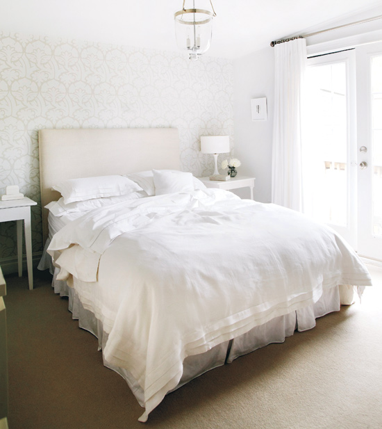 Bedroom Furniture Sets White Bedroom Yellow Colour Bedroom Ideas To Save Space Bedroom Art Ideas: White Linen Bedding