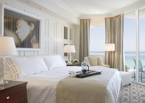 Hotel style acqualina resort and spa hotel style how for Hotel chic bathroom ideas