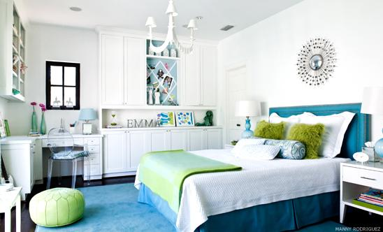 Tween girl 39 s room contemporary girl 39 s room martensen for Blue and green girls bedroom ideas