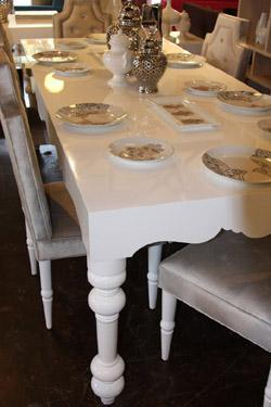 Air Dining Table In High Gloss White - White lacquer dining table