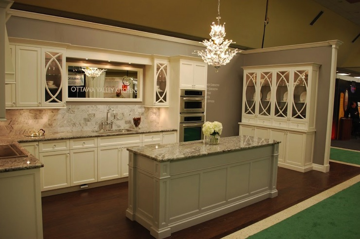 Cream cabinets transitional kitchen for Grey wall paint kitchen