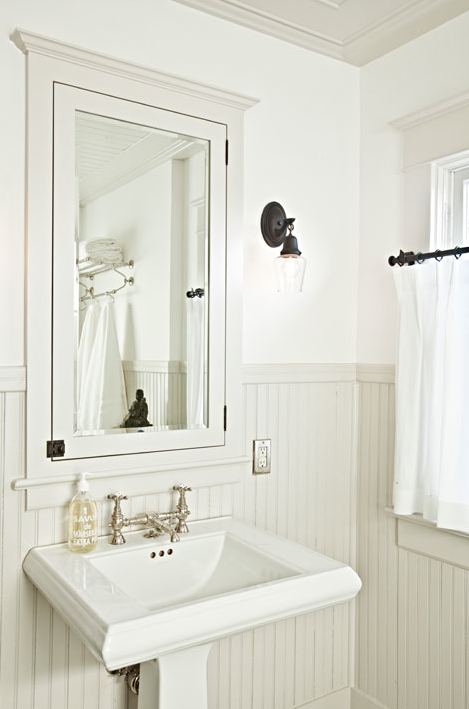 Beadboard Bathroom Cottage Bathroom Jessica Helgerson Interior