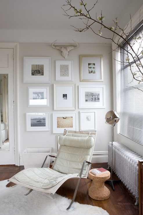 Reading nook contemporary living room benjamin moore for Magazine living room ideas
