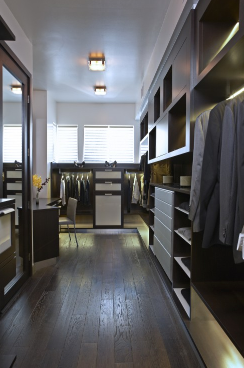 Men 39 S Walk In Closet Design Ideas