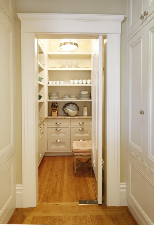 Walk in pantry traditional kitchen gast architects for Walk in pantry