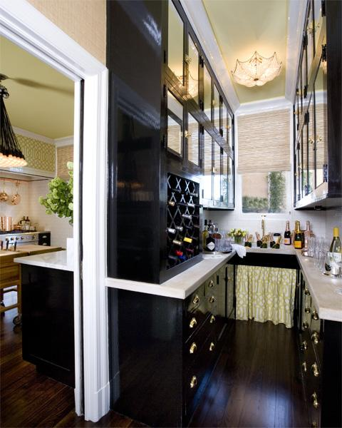 Kitchen Layout With Pantry: Butler's Pantry Cabinets