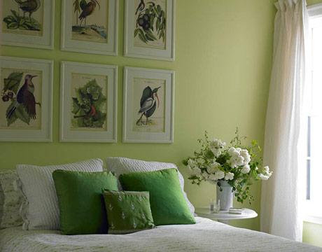 Apple green room cottage bedroom sherwin williams for Apple green living room ideas