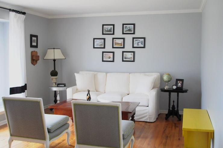 Gray Screen From Sherwin Williams In Living Room