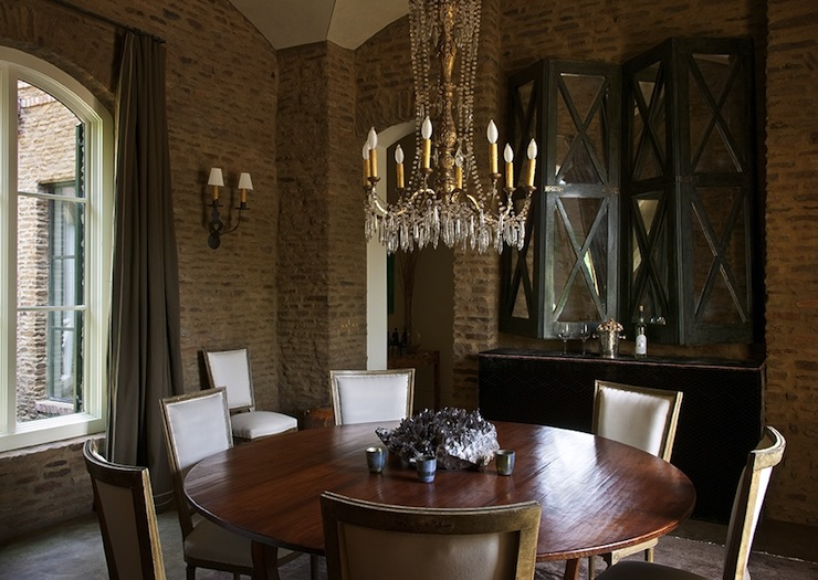 Exposed Brick Dining Room Walls Design Ideas