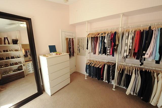 closet. Black Bedroom Furniture Sets. Home Design Ideas