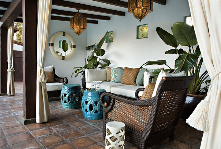 Gorgeous, Chic Patio Deck Design With Outdoor Cane Furniture, Turquoise  Blue Garden Stools, Blue U0026 Brown Pillows, Moroccan Pendants Chandeliers And  Ivory ...