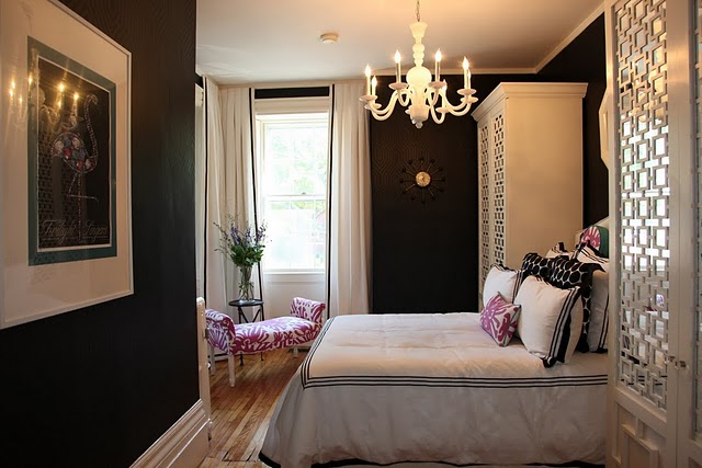 Black and white drapes design ideas - Black painted bedroom walls ...