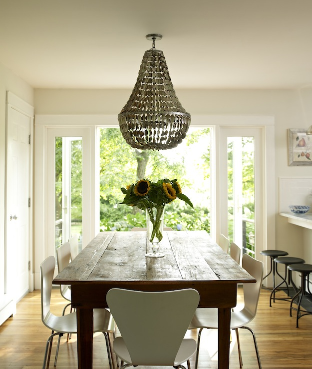 Manuel canovas trellis wallpaper contemporary dining room lonny magazine - Dining room chandelier contemporary style ...