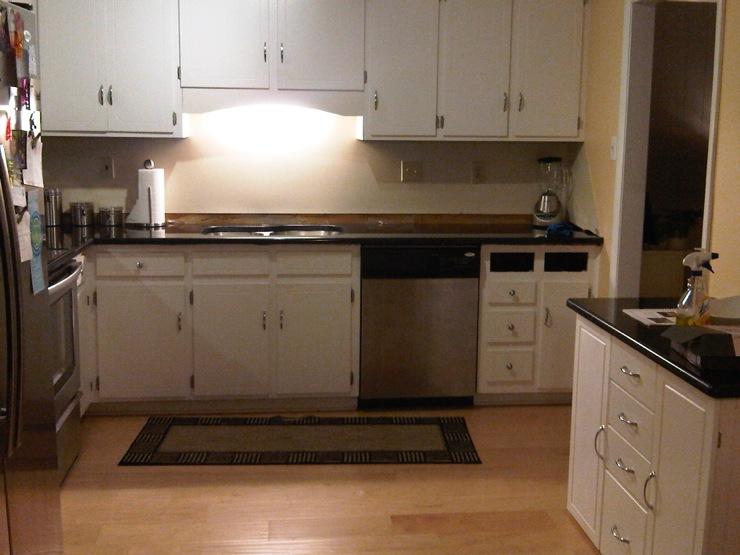 Kitchen valspar sunbaked for Valspar kitchen and bath paint