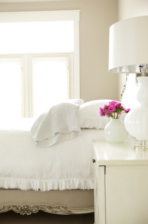 White And Tan Bedroom Ruffle Quilt Design Ideas