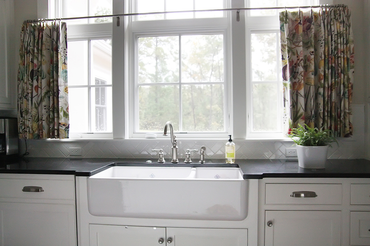 Kitchen Cafe Curtains - Traditional - kitchen - Urban Grace ...