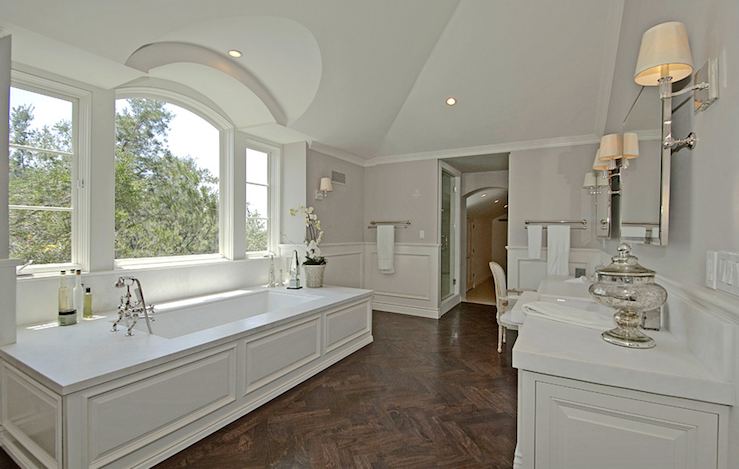 Master Bathroom Wainscoting Design Ideas