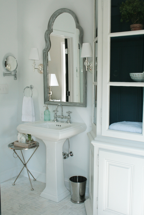 Wall Sconces Above Bathroom Mirror : Robert Abbey Chase 4 Light Sconce Design Ideas