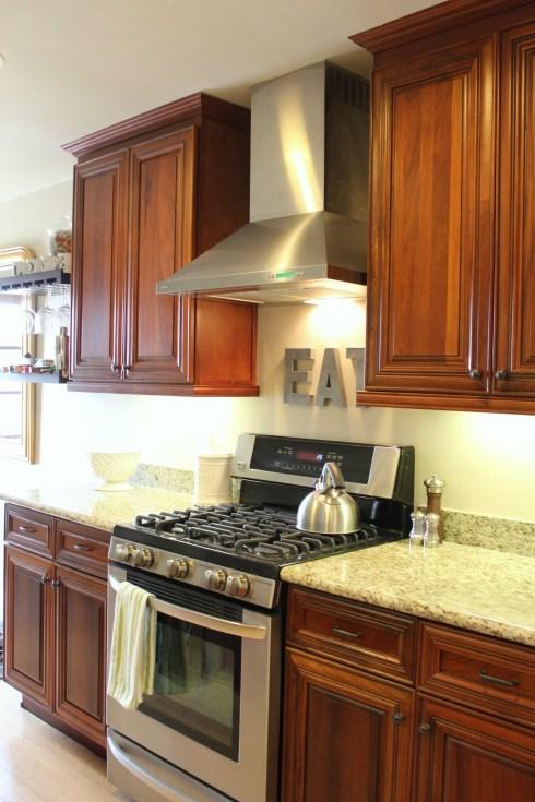 cherry kitchen cabinets traditional kitchen 346 living. Black Bedroom Furniture Sets. Home Design Ideas