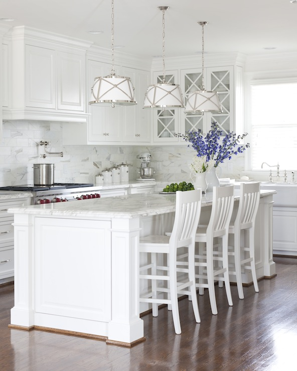 Hamptons Style Lighting: Benjamin Moore White Dove Cabinets