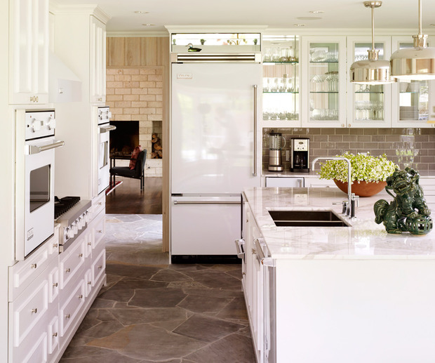 Mirrored Glass Kitchen Cabinets: Cabinets Iwth Mirrored Backspalsh, Transitional, Kitchen