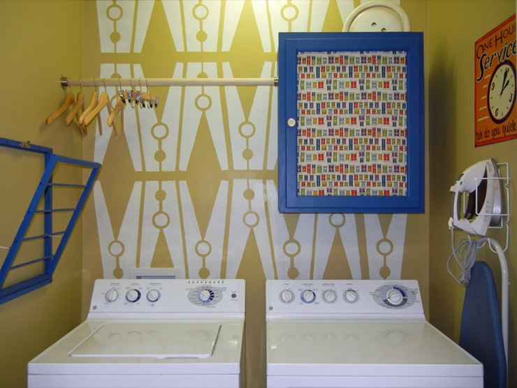 Laundry Room Fabric Part - 36: Eclectic Laundry Room With Clothespin Stencil Yellow Walls