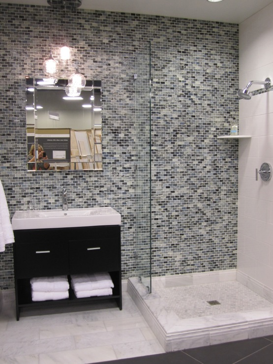 Contemporary mosaic tiles contemporary bathroom for Contemporary bathroom tiles