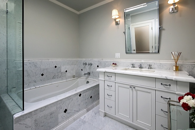 Carrara Marble Tiles - Traditional - bathroom
